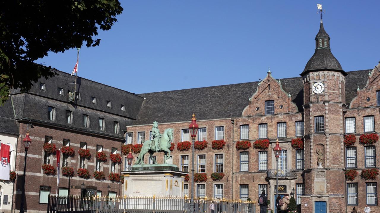Hetzerpartei AfD im Düsseldorfer Rathaus?