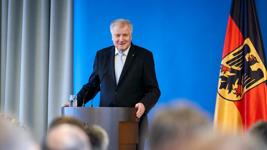 Minister Seehofer hat seinen sogenannten Masterplan vorgelegt