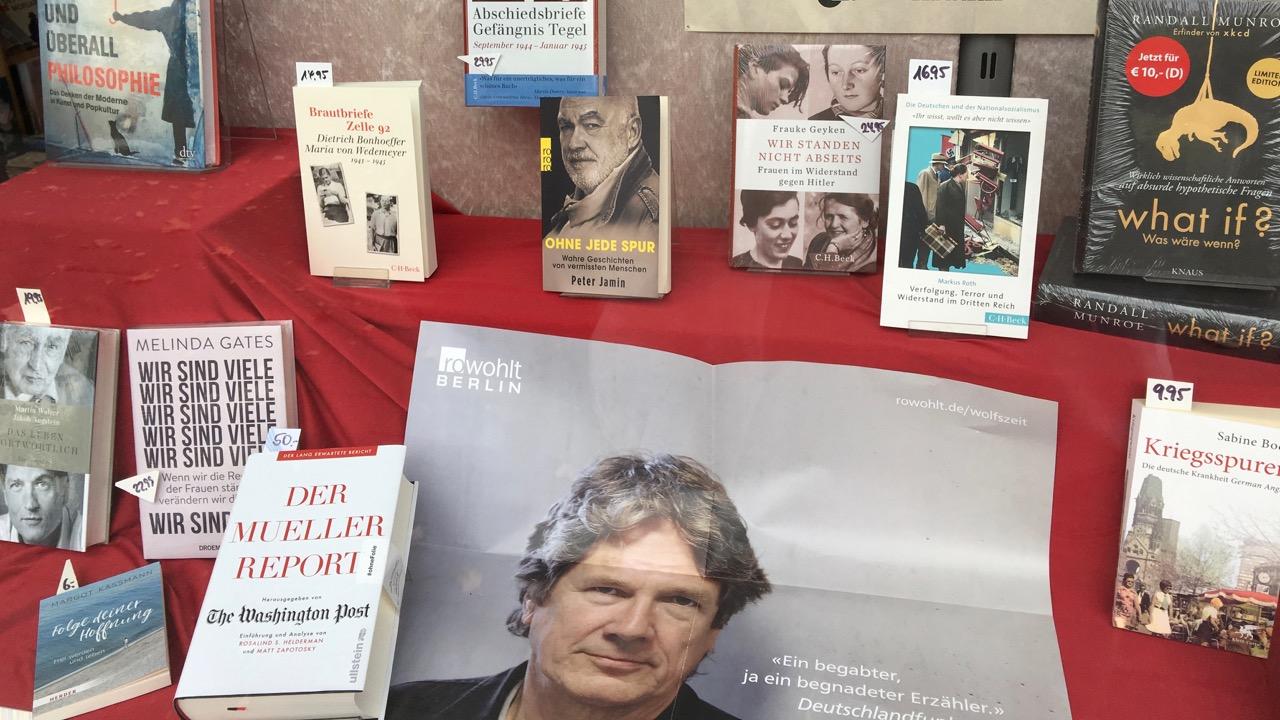 Bücher im Buchhandel
